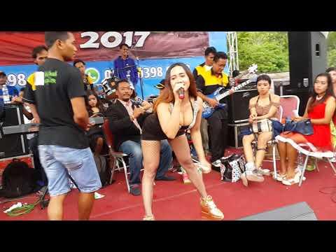 Uut Selly , Konco Mesra, Live Pelabuhan Sadeng, Oktober 2017 thumbnail