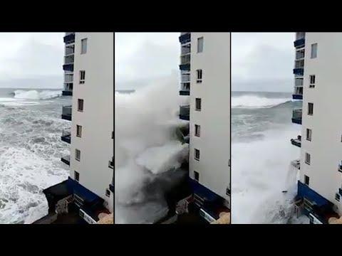 La tempête à Tenerife a arraché les balcons de cet immeuble