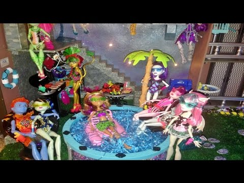 Courtyard Pool Monster High Doll House Tour Room 13 Of 40