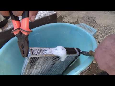 Наглядный эксперимент, промывка радиатора печки кротом