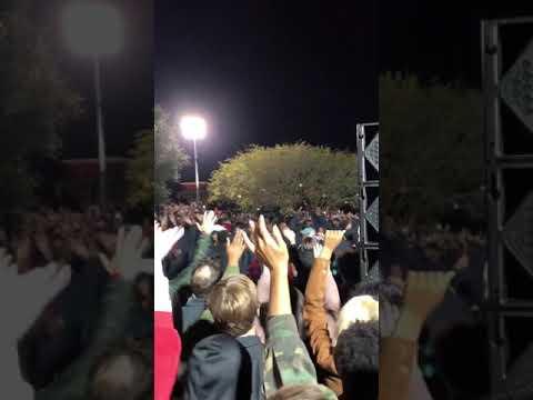 Kanye West - Follow God LIVE! (PEOPLE SINGING WAS GOOSEBUMPS)