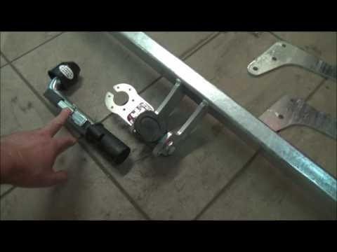 Установка фаркопа на Рено Дастер 4х4. Подготовка к отпуску с внедорожным прицепом Z-Lander Z1