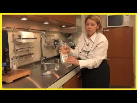 Pulizia Mobili Cucina Legno : Pulire la cucina i consigli di lia youtube