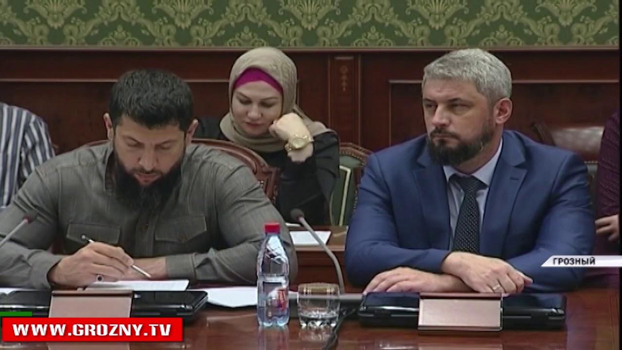 Рамзан Кадыров провел совещание по вопросам готовности образовательных учреждений к учебному году
