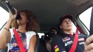 Sharon Doorson bij Max Verstappen in de Auto
