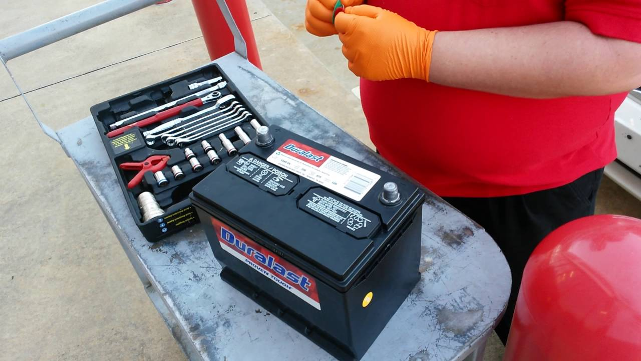 Kia Sedona Battery Replacement Duralast Autozone Youtube