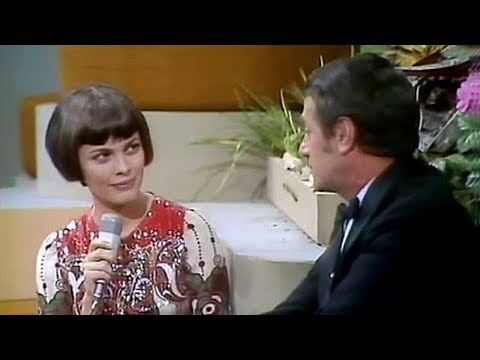 Mireille Mathieu - Interview (Podium 70, 27.06.1970)