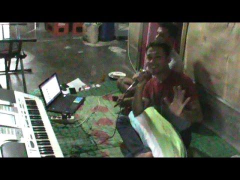 Jadiken Ginting Coba Coba Nyanyi Lagu Indhia