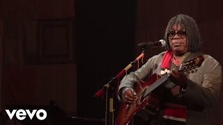Watch Milton Nascimento Nos Bailes Da Vida video