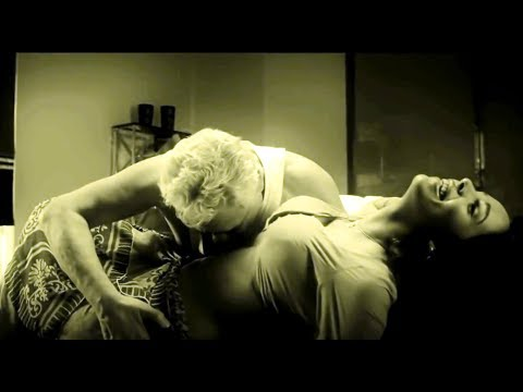 Uncensored Uncut Bollywood Hot Item Spicy Video Song Mallika Sherawat Dirty Politics Chal Dum