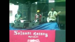 Video The Farmers cover Netral ( Cinta Memang Gila ) download MP3, 3GP, MP4, WEBM, AVI, FLV Maret 2018