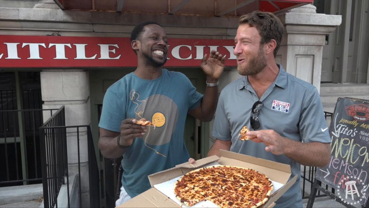 Barstool Pizza Review Bearnos Pizza With Special Guest Desmond Howard Bonus Lil Lamar Jackson