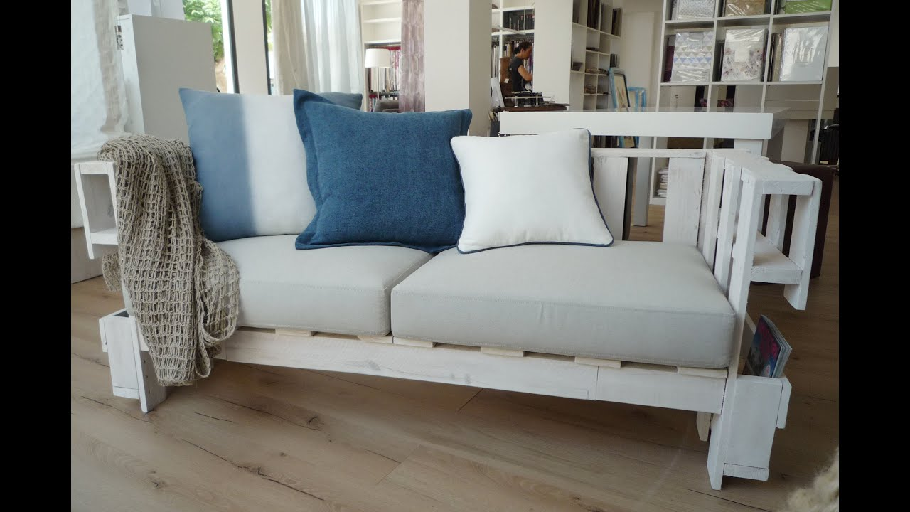 Pallet sofa youtube for Sofa de palets exterior