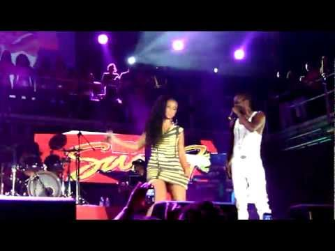 "Beenie Man and Mya perform ""Girls Dem Sugar"" LIVE at Reggae Sumfest 2011"