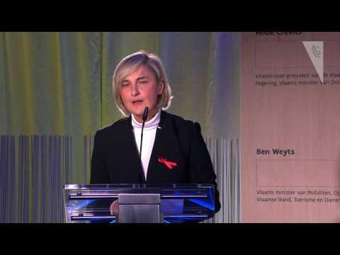 Presentatie door minister Crevits over energie-efficiënte scholen en klimaat in het onderwijs