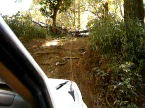 Jeep Grand Cherokee Climbs Creek Bank Very Steep Youtube
