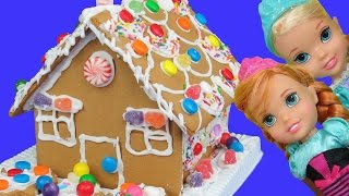 Gingerbread house BUILDING ! ELSA, ANNA toddlers built it! Candies, royal icing and fun!