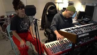 Pantone Home (Live) - Wallace