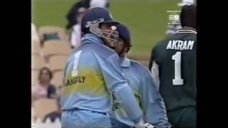 Ganguly's revenge- the epic bashing of Wasim Akram. Sachin Tendulkar laughs!