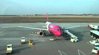 Time lapse | WizzAir - A320 | Poznań - Airport | Turn around