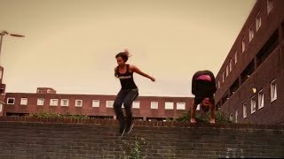 EXTREME SPORT EDITIONS - Crazy Young Girls Parkour