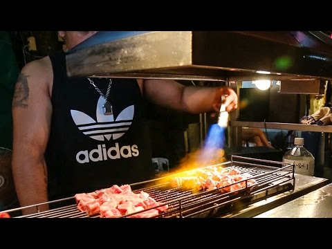 Taiwan Street Food and Attractions - BLOWTORCH Steak at Shilin Night Market! (Day 2)