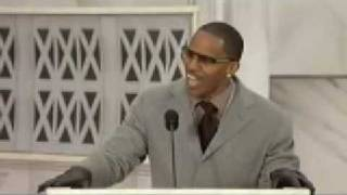 Jamie Foxx impersonates Obama at Inaugural celebration