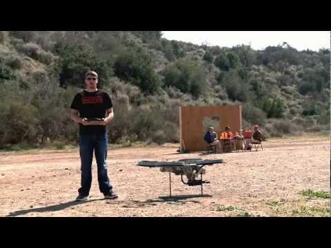 Bắn súng máy bằng máy bay điều khiển từ xa.MP4