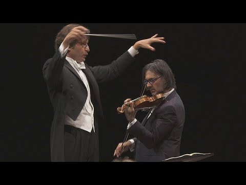 عازف الكمان اليوناني ليونيداس كافاكوس يستحضر سترافينسكي في لوكسمبورغ…