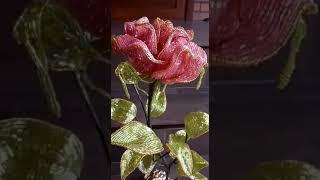 нежная роза из бисера