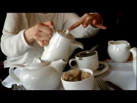London Lessons: How To Pour Tea