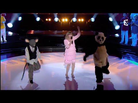 Chantal Goya dans l'émission 300 Choeurs pour les Fêtes sur France 3
