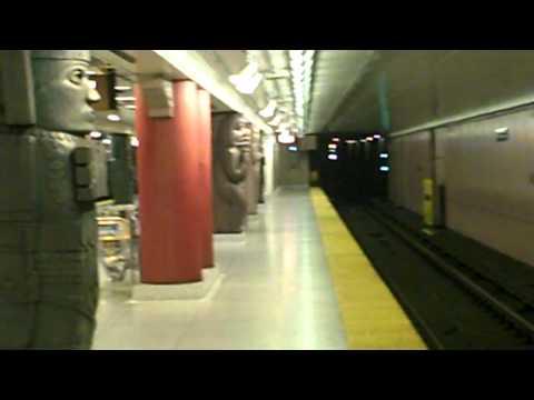 Toronto Museum subway station.