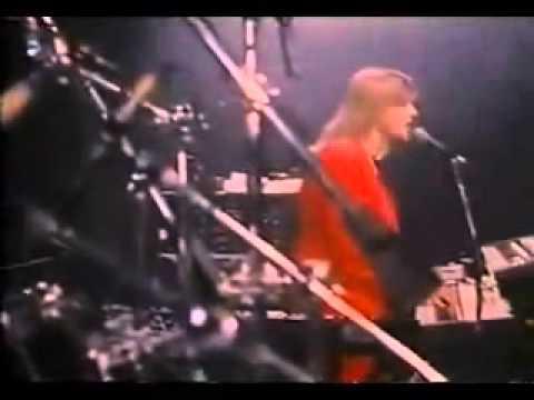 Mark Simone - How Bad a Singer Was Linda Eastman?