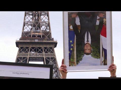 شاهد: صورُ الرئيس المسروقة والمقلوبة.. رسالةُ نشطاء بيئيين إلى ماكرون …  - نشر قبل 6 ساعة