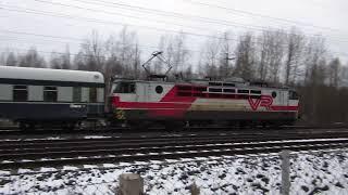 Yöpikajuna P 263 ohittaa Hanalan 2 | Night express train P 263 passes Hanala 2