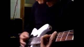 音も演奏もたいして変わらないかもだけど、またまた違う安いギターを買...