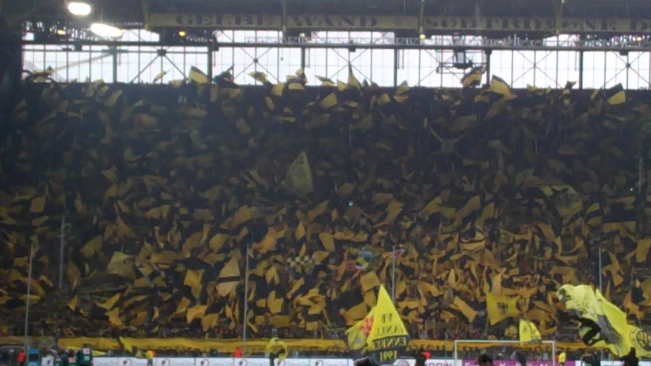 Fahnentag im Stadion
