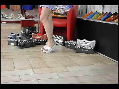 Белые шлепанцы на платформе Ipanema
