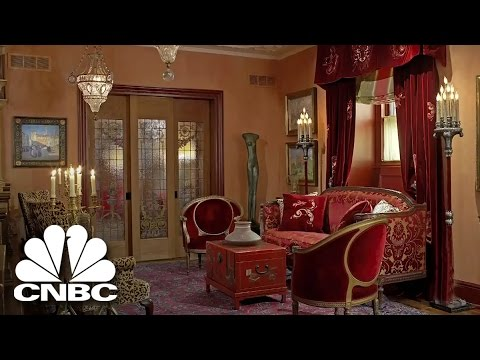 A Socialite Dethroned (Highlight Clip) | American Greed | CNBC Prime