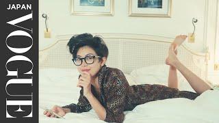 森星が過ごす、ファッションウィーク中のパリ。ホテルでのルーティンは? | My Routine | VOGUE JAPAN 森星 検索動画 1