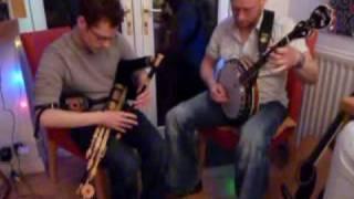 Uilleann Pipes & Irish Tenor Banjo - Strike the Gay Harp / Willie Colemans / Monaghans Jig
