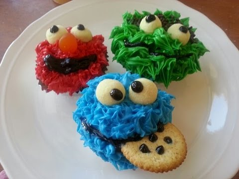 monster cookie cupcakes