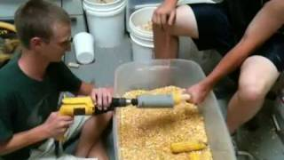 Ingenius Homemade Corn Sheller