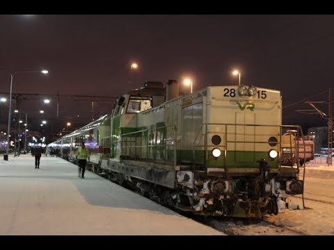 Evening trains at Oulu Station 1.1.2018