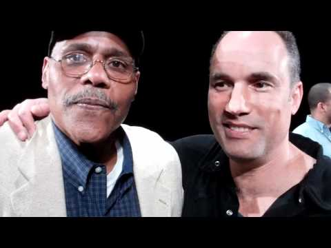 Bill Nunn and Roger Guenver Smith Banter in The Burgh