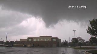 of tornado touching down in Lee's Summit