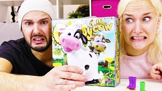 NINA & KAAN ANGEPUPST VON HELGA, DER KUH! Gassy The Cow Spiel Deutsch - Wer kriegt den Haufen?