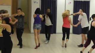 Видео: Yoandy Villaurrutia - Salsa Intermediate 24.12.13 - Rueda, Figures, Solo