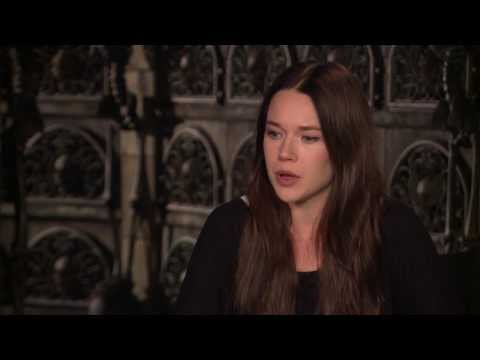 Jemima West on Isabelle Lightwood  The Mortal Instruments